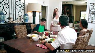 Brazzers – Milfs Like it Big – Kendras Thanksgiving Stuffing scene starring Kendra Lust and Jordi El