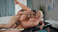 Reality Kings – Chubby big tit phat ass Karissa Shannon gets oiled up