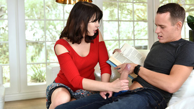 4Share Blair Williams – Amber Chase – Sly Stepmom Catches A Fox