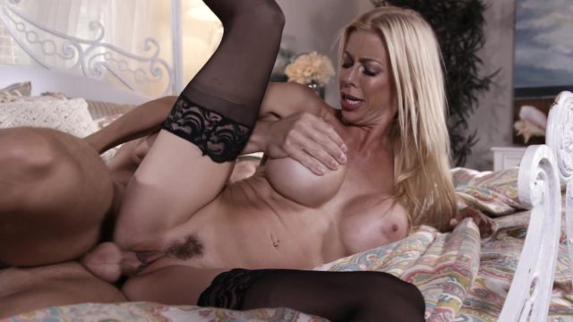 4Share Blonde Cougar Alexis Fawx Taking It Deep – Alexis Fawx
