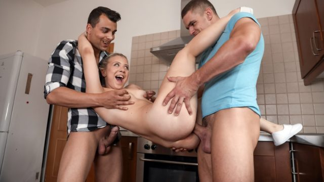 4Share Famished little traveler gets double helping – Anna Rey