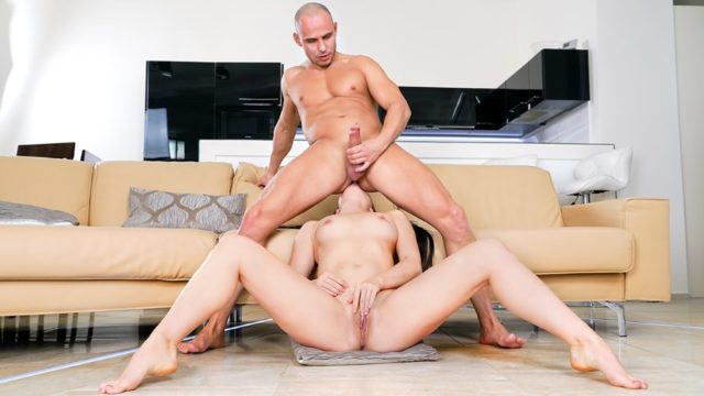 4Share Horny Teen Loves Rimming and Anal – Cassie Fire