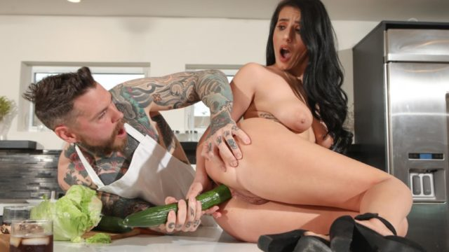4Share Nelly Wants That Cock In Her Ass For Dinner – Nelly Kent