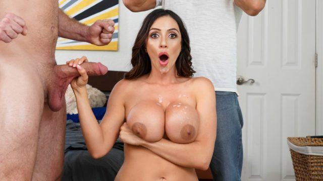 4Share Panty Stash – Ariella Ferrera