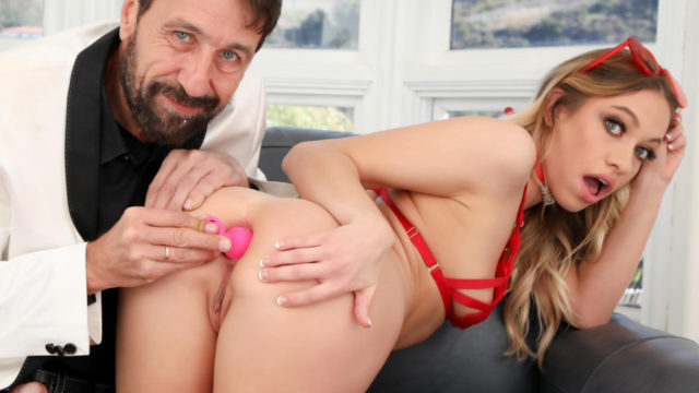 4Share Butt Plug And Proper Ass Fucking Maked The Best Gift – Khloe Kapri