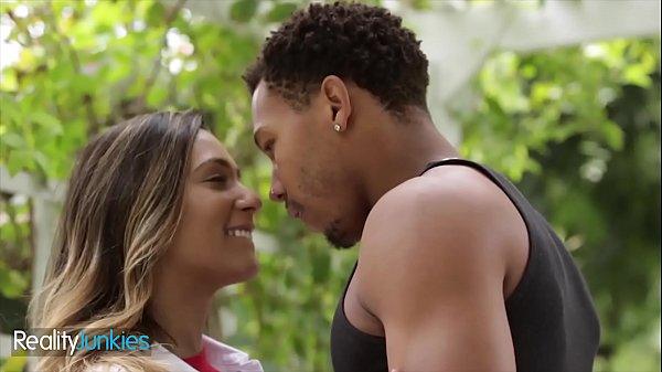 Interracial pounding with Girl next door Jaye Summer – Reality Junkies 10 min