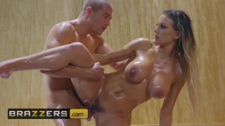 Brazzers – Big Butt Kenzie Taylor loves anal in the sauna